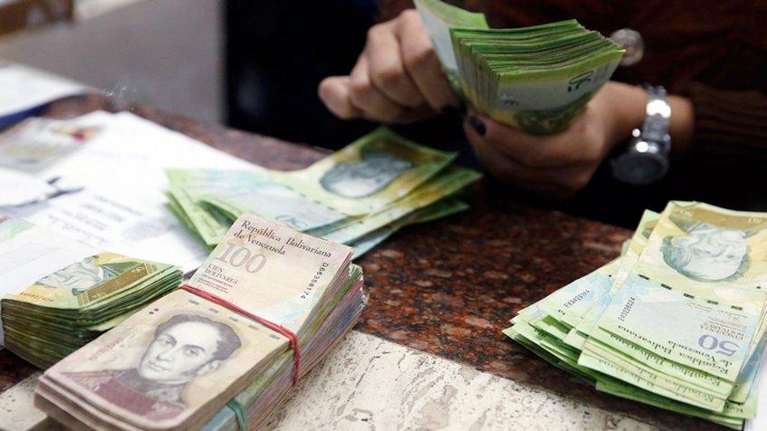 Moneda venezolana se devalúa 60% en tres meses en ajuste hacia la realidad económica