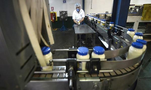 Fabricante de mayonesa y ketchup paraliza producción por falta de insumos