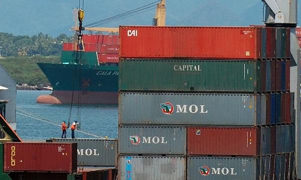 Leve repunte de actividad exportadora contrasta con merma en importaciones