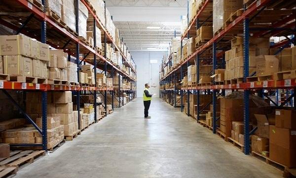 Más de 2 mil trabajadores de empaquetadoras se ven afectados por retenciones de alimentos