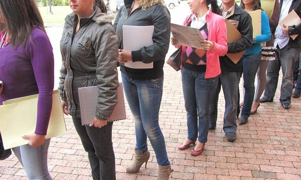 Índices de desempleo siguen en ascenso