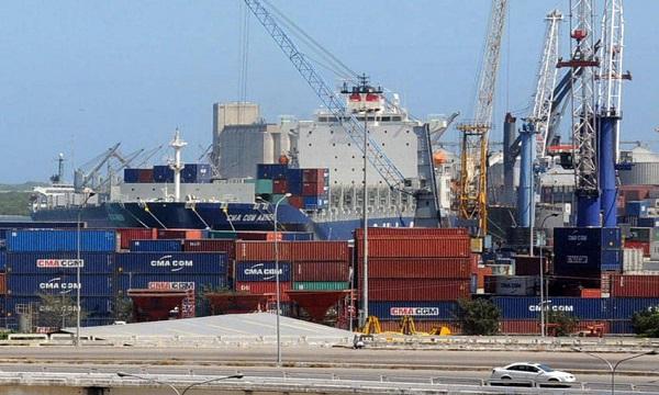 Mercancía en Puerto Cabello cubre 16 días de consumo de alimentos
