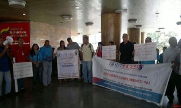 Despiden a 18 empleados del Inces por apoyar el referéndum revocatorio