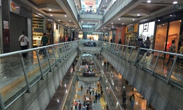 Horario navideño en centros comerciales arranca el 1º de diciembre