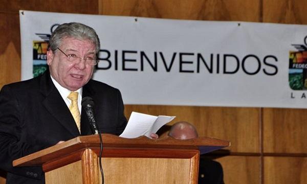Universidad Yacambú reconoce a Alberto Gámez Rosmir Sivira