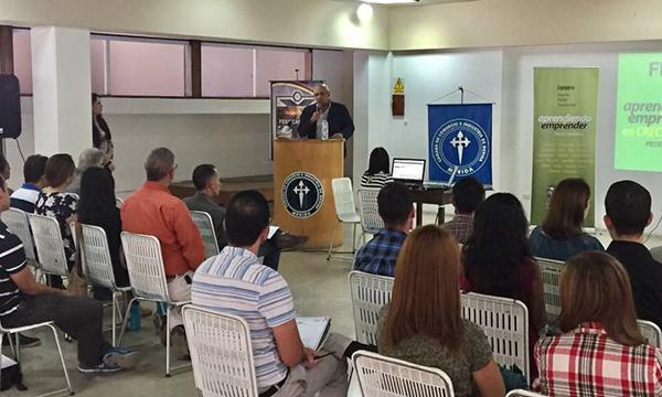 Programa Aprendiendo a Emprender toma vuelo en Mérida